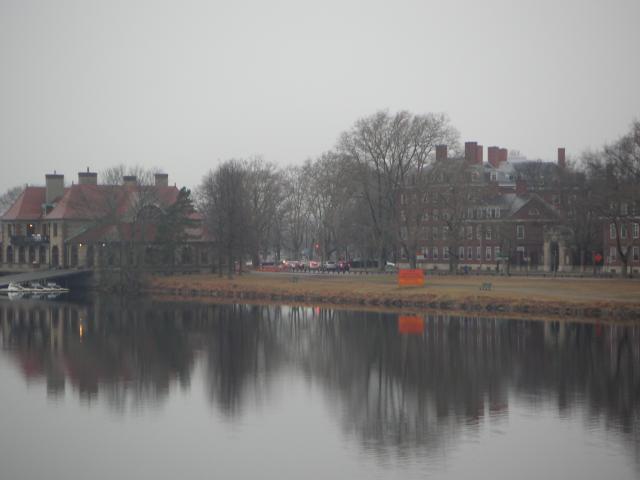 迄今哈佛大学图书馆的藏书数量已达18图片