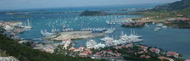 因为几个月以后在美国罗德岛的新港,同道者经历了同样的船锚脱位的险