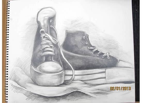 有完全完工的新素描,本来她说等 觉得比去年那双鞋画得要好,急不
